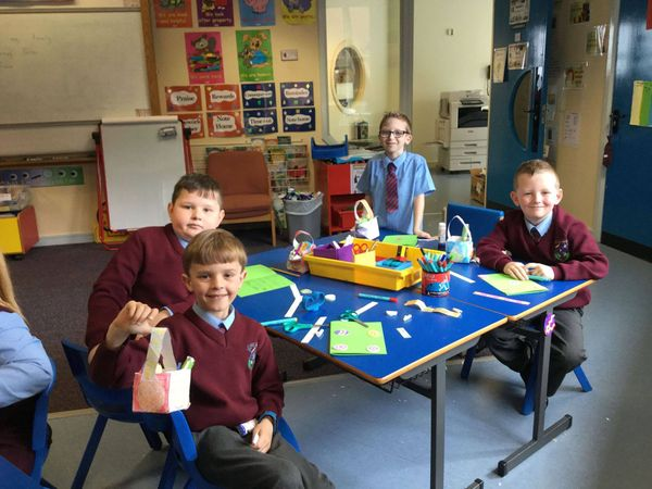 Easter Arts & Crafts in 3B